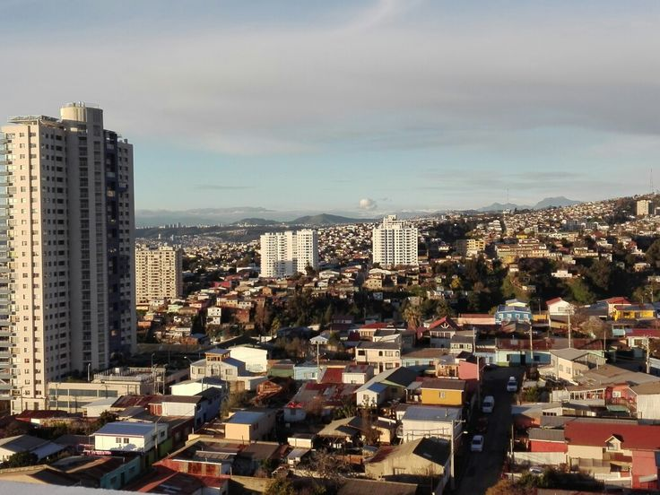 Cerro Baron y Cerro Placeres,Valparaiso, Chile.