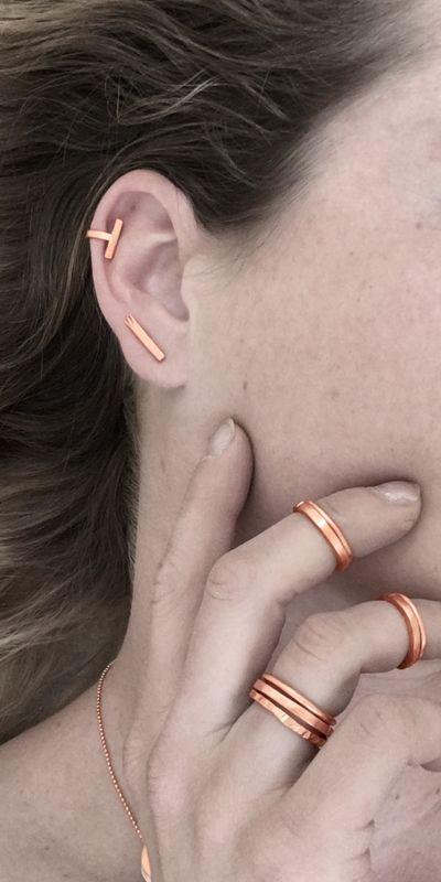By BIEK duurzame sieraden handgemaakt uit gerecycled koper, moderne sieraden met een eigentijds tijdloos design. Ontworpen en vervaardigd in Nederland.