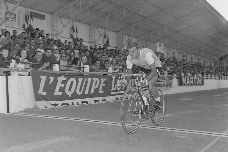 Rit in de Tour de France. In de groene trui...