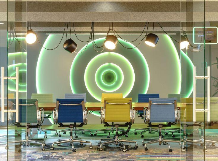 Ook bij Talpa Radio is gebruik gemaakt van gerecyclede pet felt in de vorm van akoestische panelen aan het plafond.