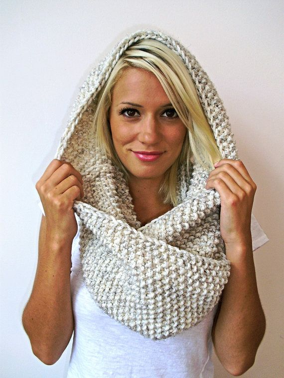 Items similar to Chunky infinity cowl on Etsy