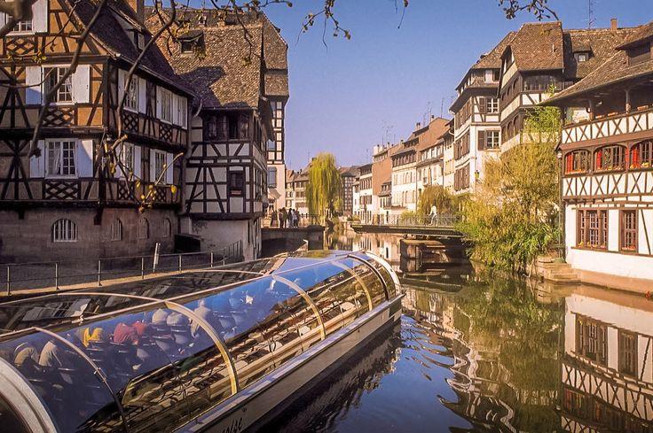 Faire du bateau sur les canaux à Strasbroug