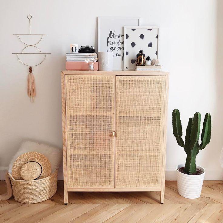 the 25 best kate la vie ideas on pinterest makeup desk. Black Bedroom Furniture Sets. Home Design Ideas