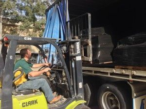 Unloading Truck with Pallets