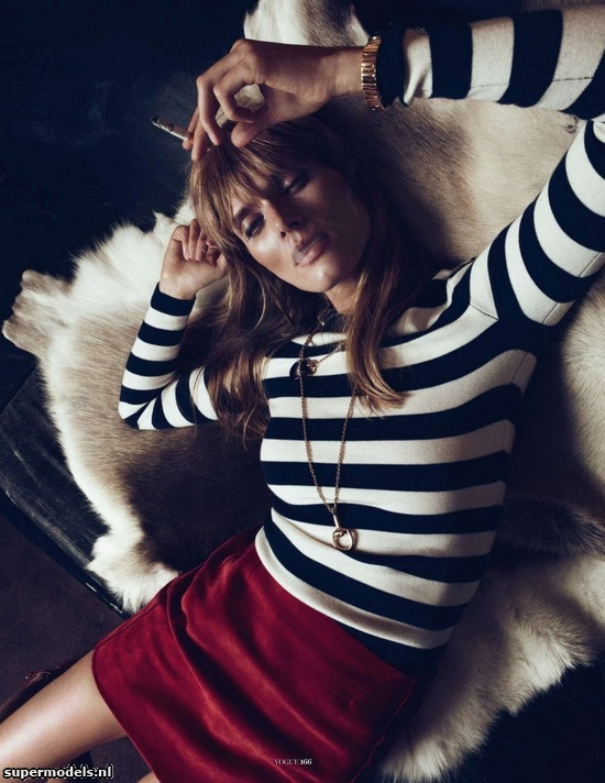 Malgosia Bela in 'The heaven in a room' - Photographed by Lachlan Bailey (Vogue Paris December 2012)    Complete shoot after the click...