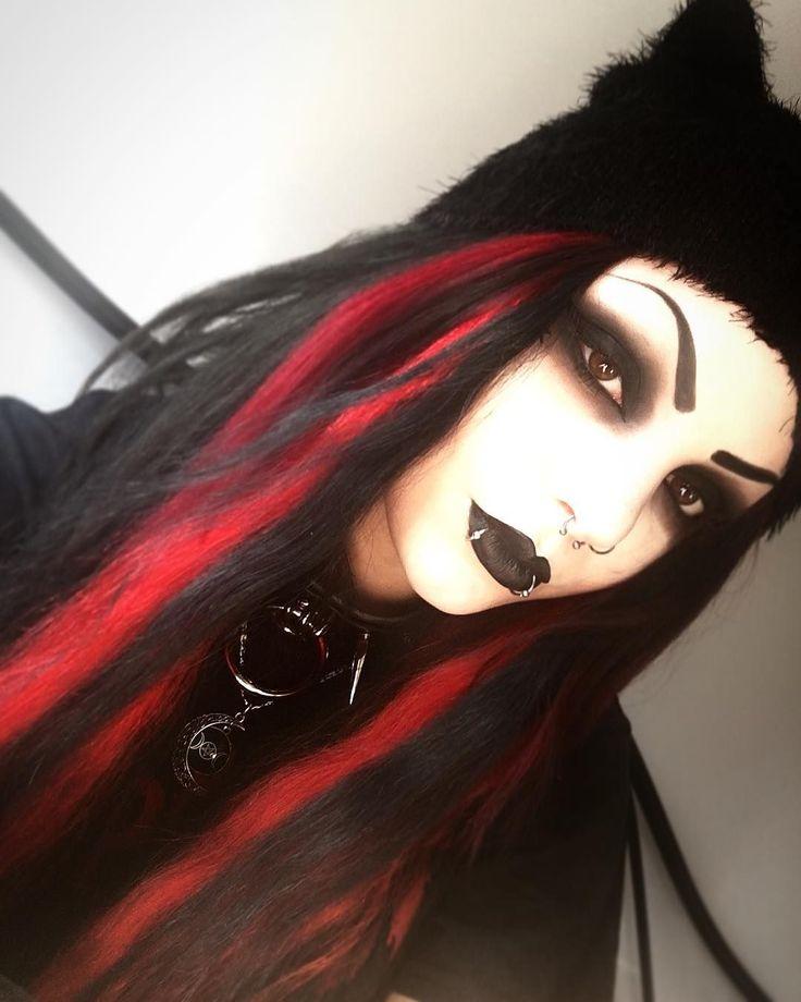 Meg ⚰️ #gothicmakeup