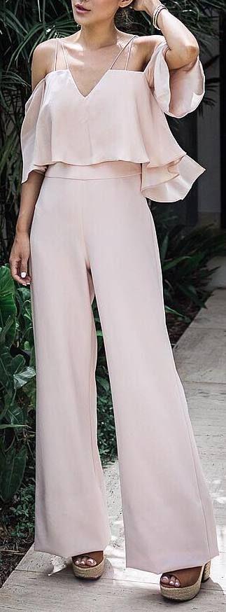 pastel outfit idea