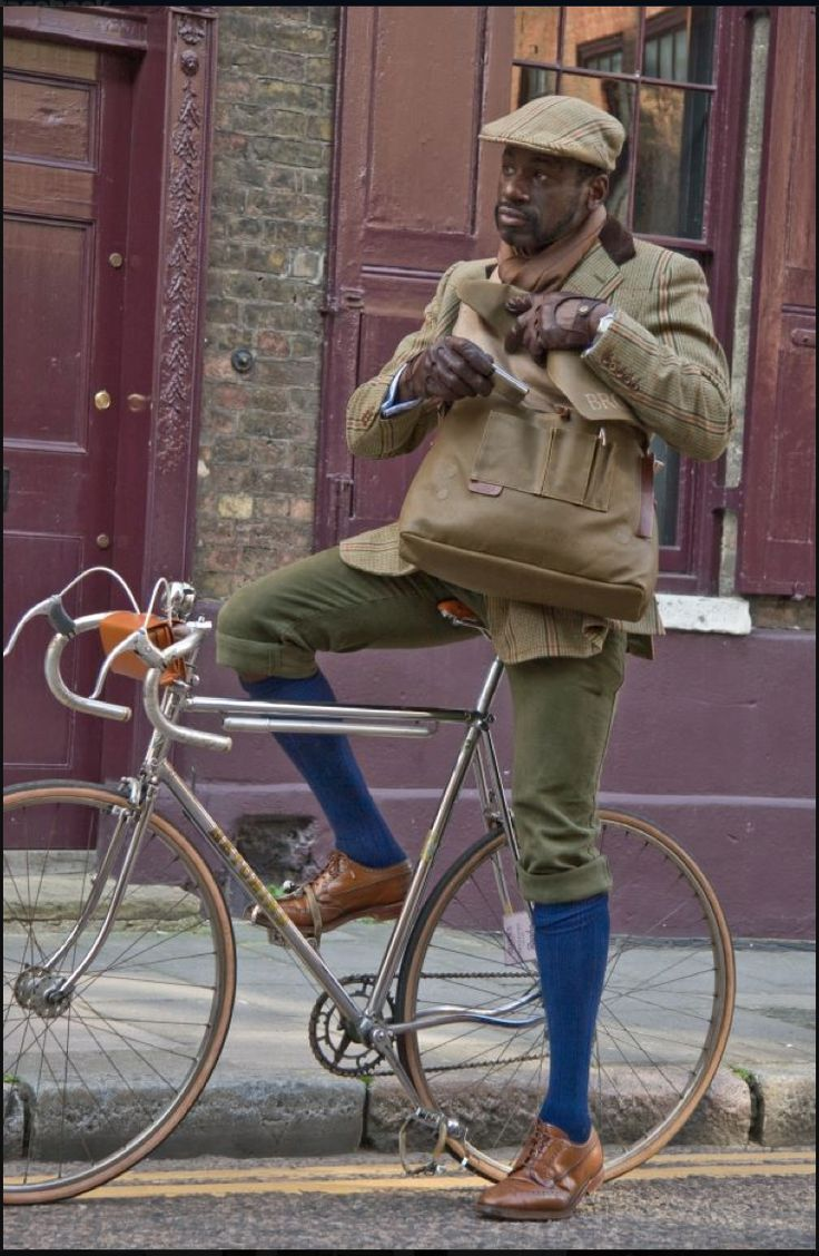 Dad has asked me to pin this for you @Nina Gonzalez James... Brooks urban cycling style