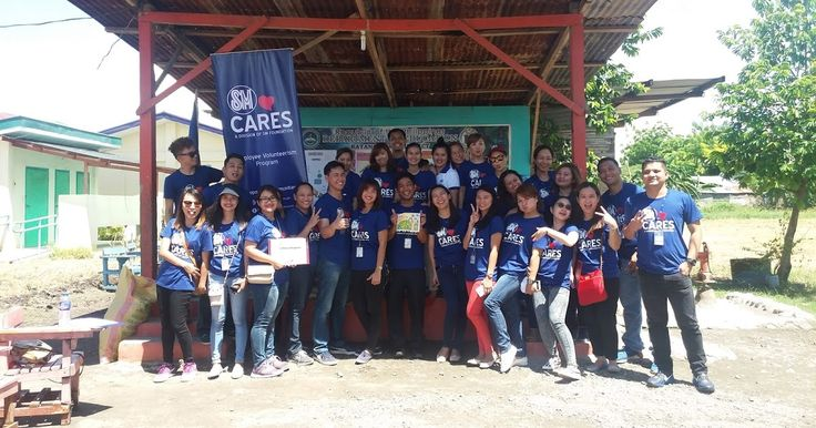 SM City General Santos volunteer employees who join Brigada Eskwela 2017        SM employees across the Philippines came out in full f...