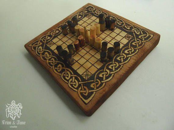 Board game / the Vikings / Hnefatafl / Scandinavian Board game