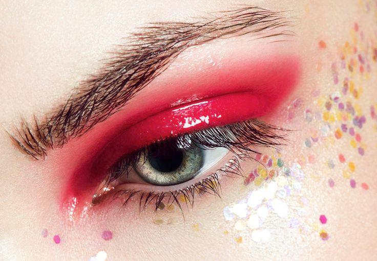 水っぽいうるつやっとしたアイメイクが旬♡#eyemake