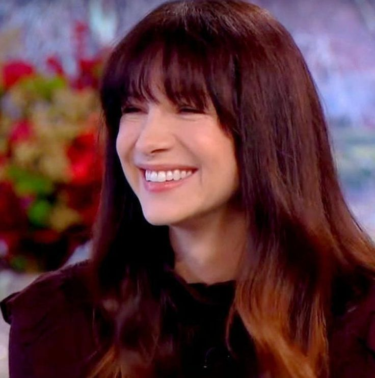 Caitriona Balfe of the Outlander_Starz TV series, on the UK This Morning show - December 12th, 2017