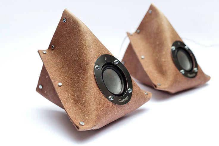 sinestesìa desarrolla un sistama de altavoces stereo DIY en embalaje plano