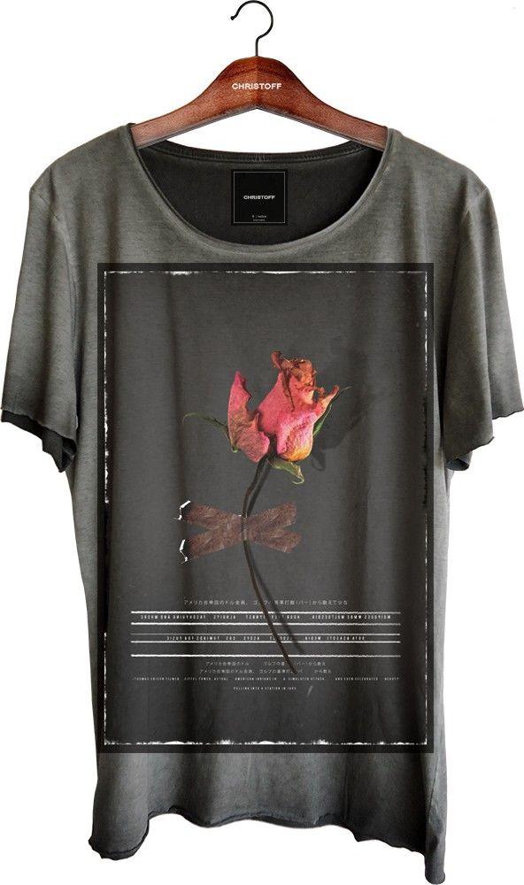 Camiseta Relax - Dark Rose 100% algodão. Corte diferenciado a fio nas mangas e…