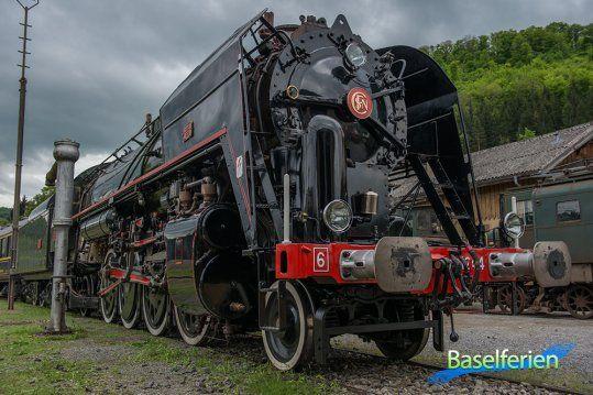"""Von Donnerstag, 9. – Sonntag 12. Mai 2013 fanden in #Sissach die """"1. Schweizer Dampftage"""" statt. Während vier Tagen konnte man historische und moderne Dampfloks aus der Schweiz und Deutschland bewundern."""