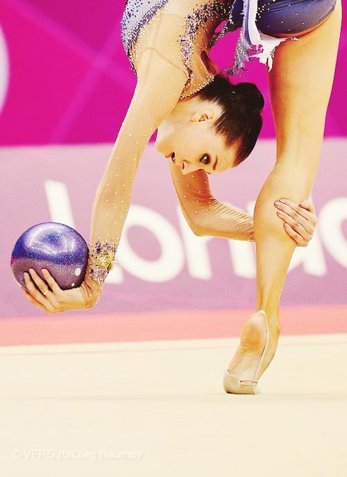 Liubou Charkashyna beautiful backscale pivot