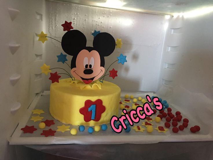 Cricca's: torta Topolino in pasta di zucchero con topper in gomma crepla