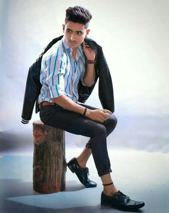 Pin By Shahbaz Khan On Boy Photoshoot Pose Photoshoot Pose Boy Photo Poses For Boy Boy Photography Poses