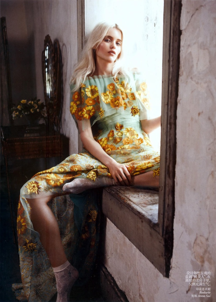 ------Models, Floral Prints, Abbeyleekershaw, Lachlan Baileys, Fashion Photography, Fashion Editorial, Vogue China, Abbey Lee Kershaw, Floral Dresses