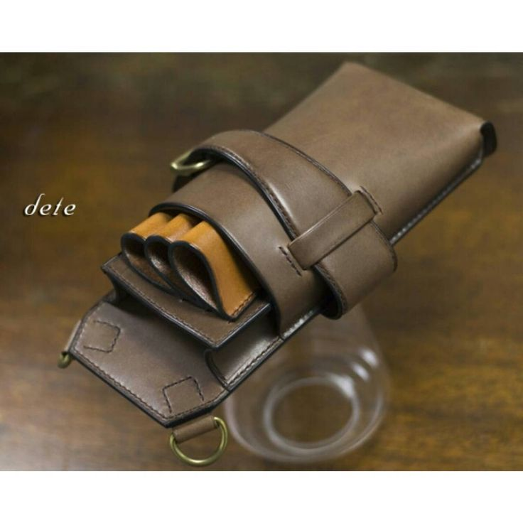 dete.jp  #scissorsbag #手縫い #bag #deteデテ #leatherwork #handsewn #handstitched #leathergoods #シザーケース #deteym #baglover #Leather#ordermade #手縫いシザーケース