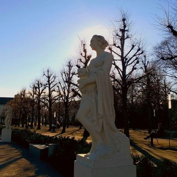 Was für ein super Wetter heute in #Karlsruhe   #visitbawu #visitkarlsruhe #bwjetzt #placetobw #statue #sun #sunshine #blueskies #trees #spring #springtime #weather #travel #travelblog #instalike #amazing #love #picture #picoftheday #bestoftheday