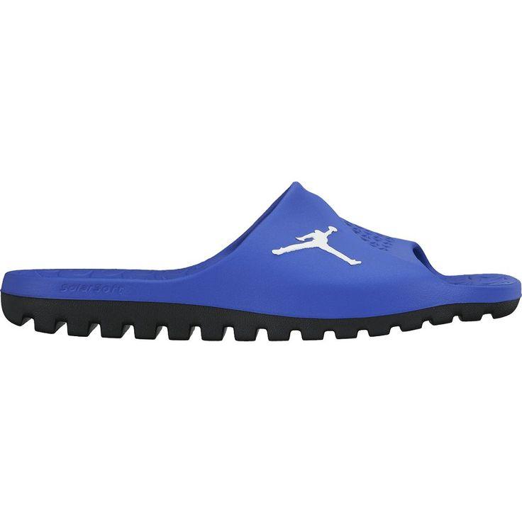 Les claquettes Air Jordan sont dispo en plusieurs coloris du 40 au 45 chez  urban-