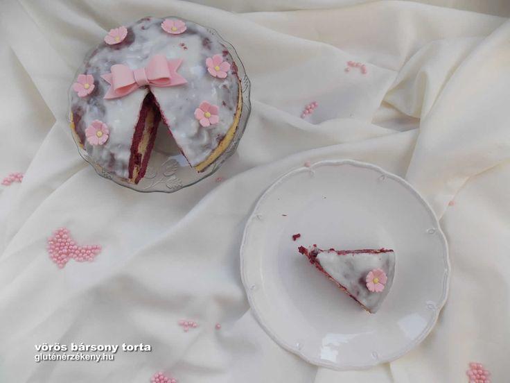 Red Velvet gluténmentes torta mascarpone-s áfonyás krémmel Red Velvet azaz vörös bársony gluténmentes torta mascarponés áfonyás krémmel.