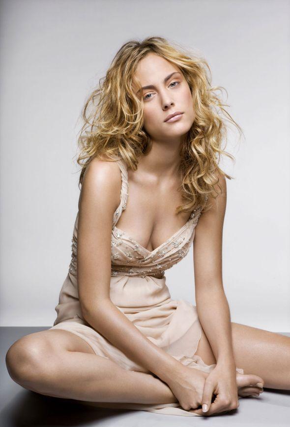 Photos Sexy & Hot: Nora Arnezeder | Nora Arnezeder, Sexy Hot and Sexy