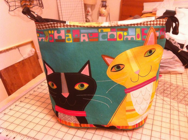 Bonnie Tote Bag from a Swoon Pattern using a Cat Walk Fabric from Lisa's Stitching Post