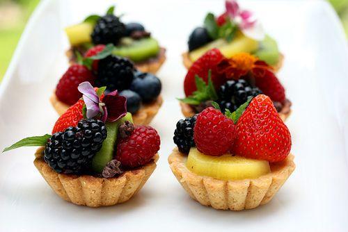 Mini Tarts with Vegan Pastry Cream, Fresh Fruit and Cocoa Nibs by QuintanaRoo, via Flickr