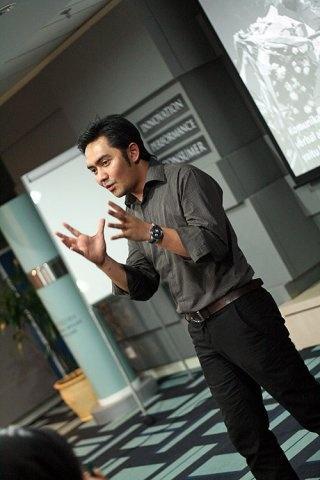 Guru Prabu Revolusi at Akber Jakarta