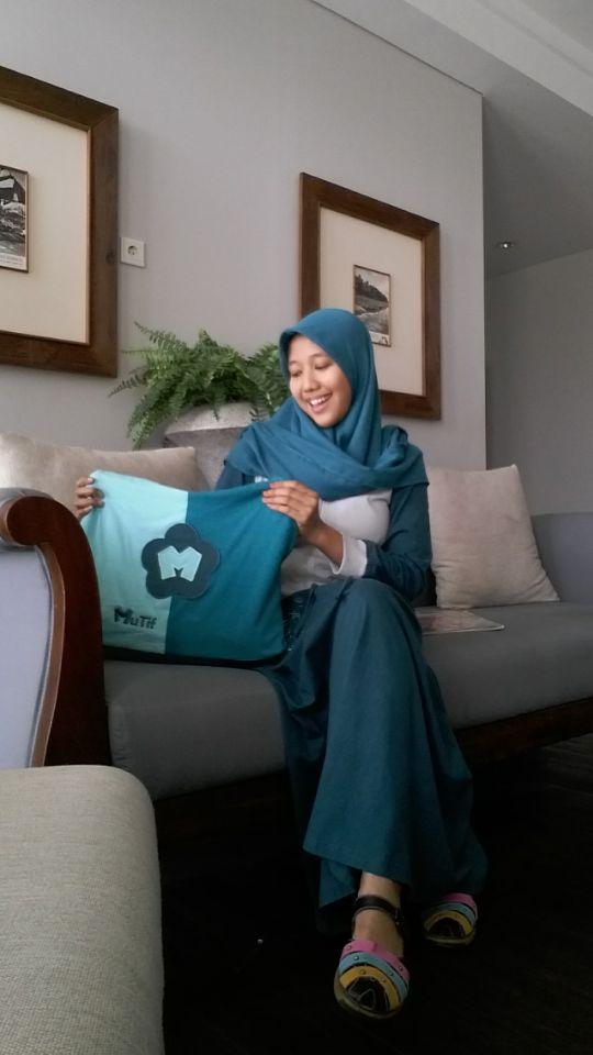 "Foto-foto Vina Lailatun Baridah. Manunggal Selatan - Semanding, #Tuban, Jawa Timur. Peserta Lomba Foto Mutif 2015 Kategori ""Mutif Fotogenic Contest"" #MutifFotogenicContest #BusanaMuslim #Fashion #FashionMuslim #ModelMutif #FotoModel #MuslimInspiratif #LombaFoto #MuslimahIndonesia"