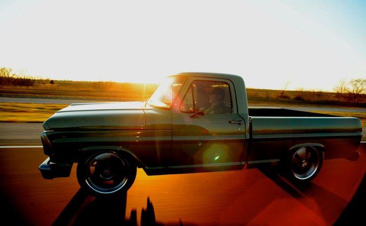 Kc 39 s paint shop truck gas monkey garage original for Garage ford denney 90