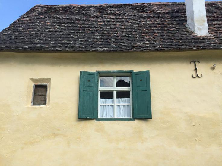 Saxon window in Criț
