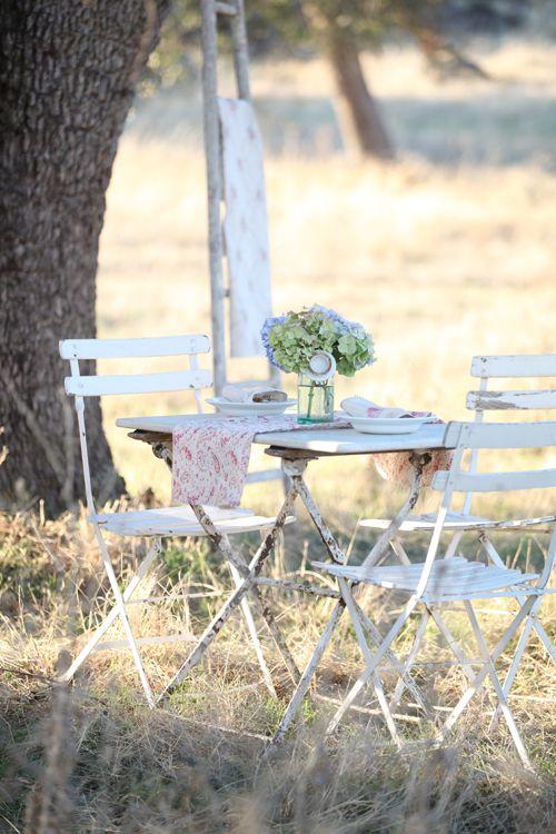 outdoor breakfastDreamy White, Outdoor Meals, Outdoor Living, Shabby Chic, Outdoor Room, Outdoor Breakfast, Outdoor Gardens, Doors Sets, French Outdoor