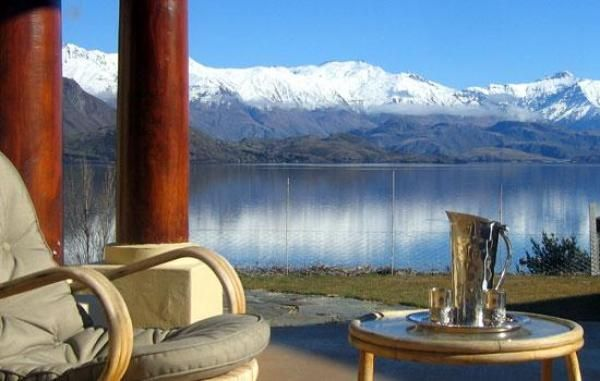 Wanaka Holiday Accommodation - Wanaka is a town located in the Otago region of the South Island of New Zealand, where you can plan for a holiday by making one of the Wanaka holiday homes as your base. Situated at the southern end of Lake Wanaka, this place is the gateway to Mount Aspiring National Park, where you will get a wide array of Wanaka villas.