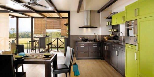 Cucina verde e marrone, accostamento di grande tendenza