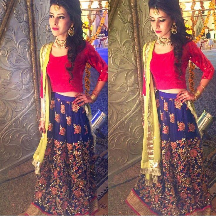 """""""Lengha choli #Repost @lahorestyleicons ・・・ Rameen Pasha. #dresstoimpress #lahorestyleicons #pakistan #dressing #fashion #lahore #pakistanifashion…"""""""