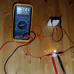 Fiche électricité pour apprendre à utiliser un multimètre - Fiche bricolage proposée par BricoleurDuDimanche.com