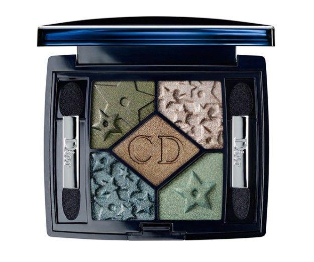 Una palette di colori tipicamente autunnali arricchiti dai motivi a stelle: quella di Dior è una delle collezioni make autunno 2013 più belle