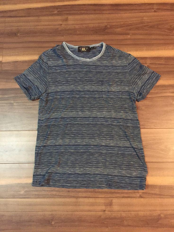 ラルフローレンのダブルアールエルのインディゴ染めボーダーTシャツです。正規店購入の本物ですので、安心してご落札ください。インディゴの味のあるボーダーが格安良いです。状態は1度着て洗濯したしただけの新品同様品です。サイズはMサイズで、後ろ着丈71cm、身幅50cm、肩幅48cm、袖丈20cmです。素材は綿100%です。とても良い商品で、格安スタートしますのでこの機会にぜひよろしくお願いします。