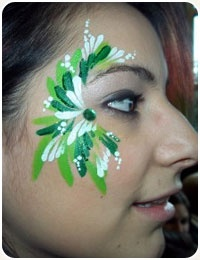 Face PaintingPainting Face, Painting Inspiration, Face Paintings, Green, Facepaint Inspiration, Body Painting, Painting Ideas