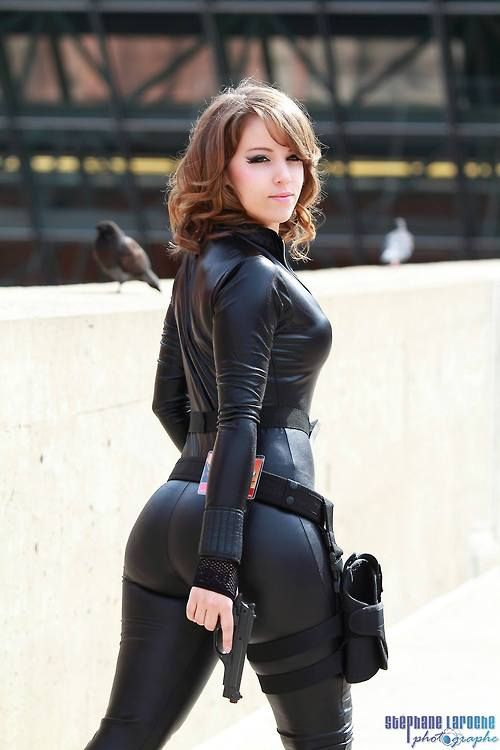 Ass black widow big