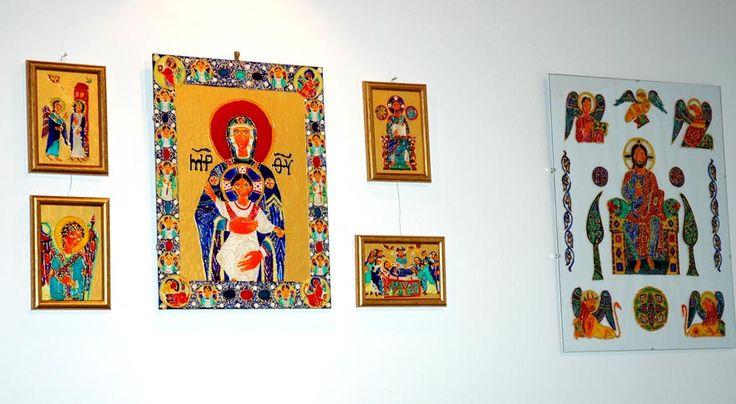 Kiállítás :http://www.reka-design.hu/ikon/kiallitas/