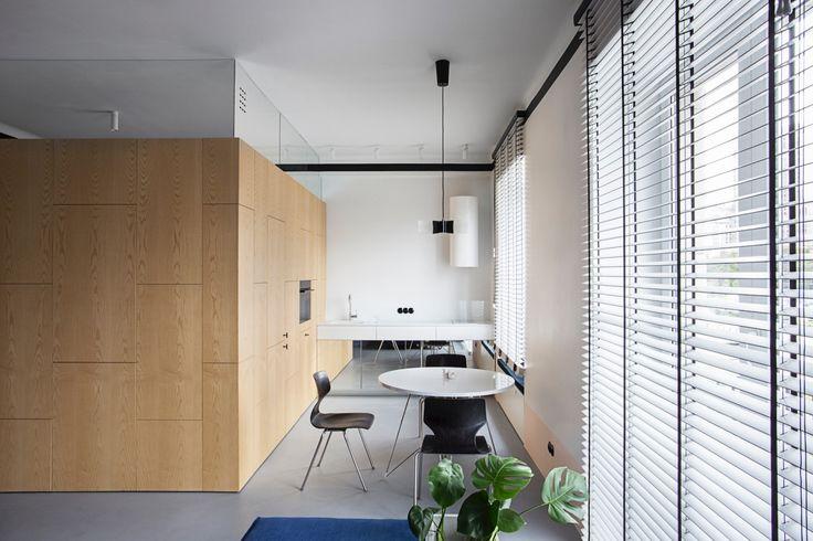 Zapraszamy do mieszkania zaprojektowanego przez Studio Laas. Przed projektantami stało niełatwe wyzwanie: projekt mieszkania przewidzianego na wynajem krótkoterminowy. Zobaczcie efekty ich pracy!  Mieszkanie o powierzchni 50 m2, znajduje się w kamienicy z początku lat 60-tyc