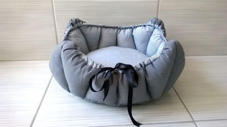 Confeccionada em tecido de algodão, enchimento com fibra 100% poliester.