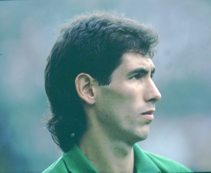Andres Escobar.- A brilliant footballer lost to human fallacy