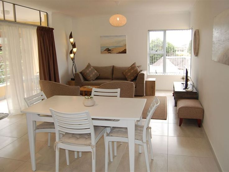 L'Azur No.5 - Situated in the heart of Wilderness, L'Azur No 5 is a fresh and bright establishment. The accommodation is an open-plan, 2 bedroom, 2 bathroom, self-catering apartment with a balcony. This sunny, newly ... #weekendgetaways #wilderness #gardenroute #southafrica
