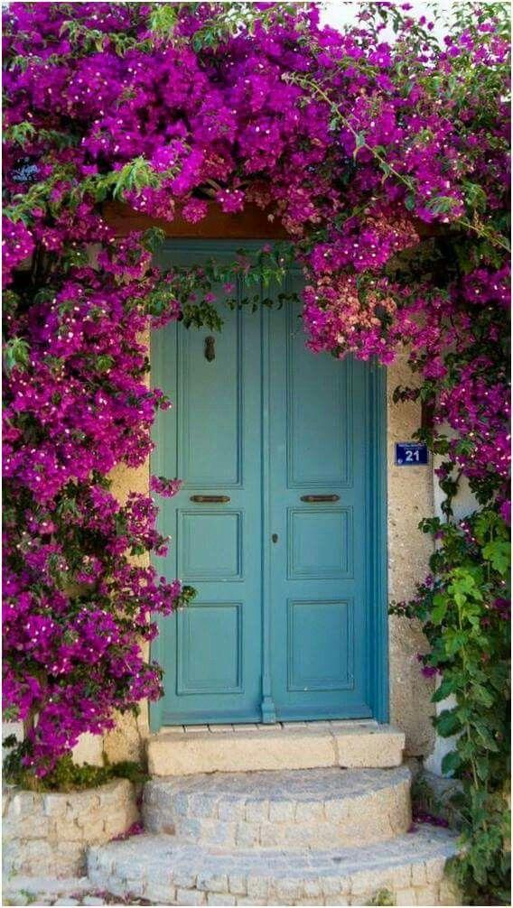 Pin de judith johnson en windows doors gates pinterest for Front door johnson valley