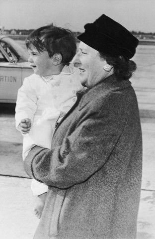 John John Kennedy con la sua tata Maude Shaw